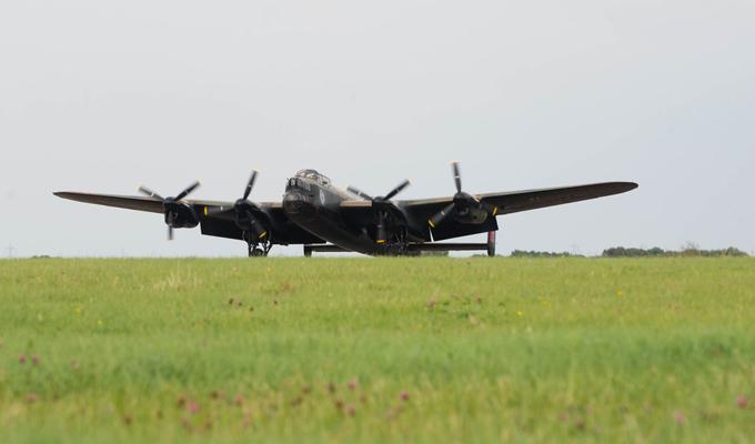 Легендарный бомбардировщик Avro Lancaster. ФОТО. 15019.jpeg