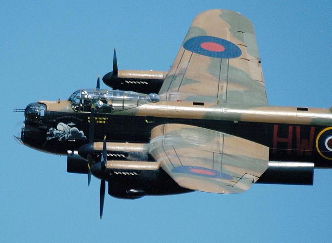 Легендарный бомбардировщик Avro Lancaster. ФОТО. 15023.jpeg