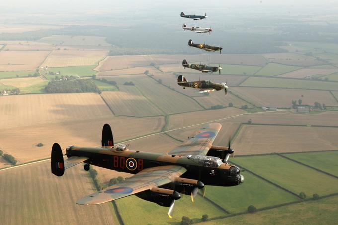 Легендарный бомбардировщик Avro Lancaster. ФОТО. 15024.jpeg