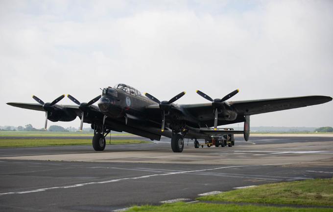 Легендарный бомбардировщик Avro Lancaster. ФОТО. 15026.jpeg