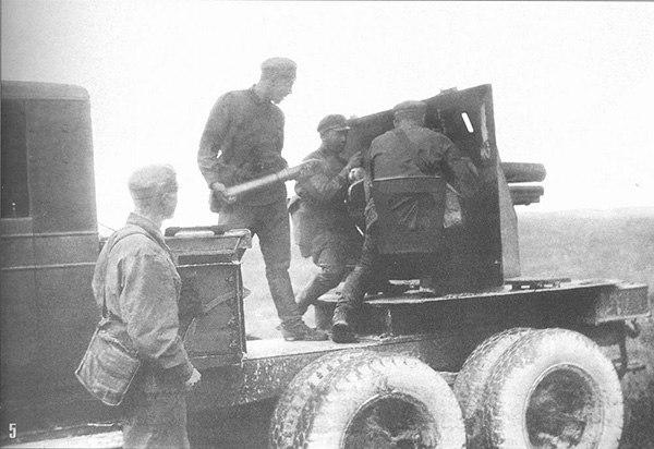 САУ СУ-12 - артиллерийская установка на шасси грузового автомобиля