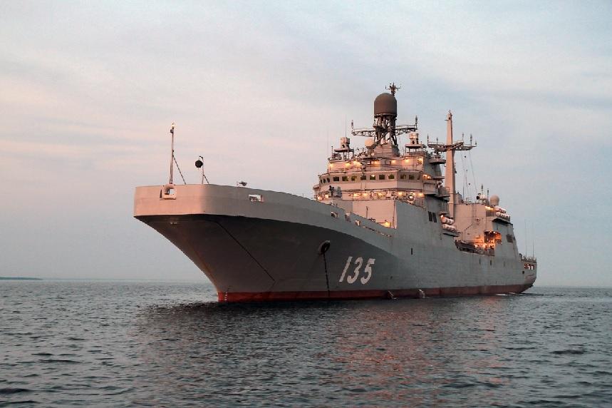 Российский  Мистраль  дал жару на Балтике