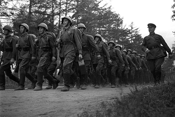 Латвия уравняла нацистов и советских воинов. 1