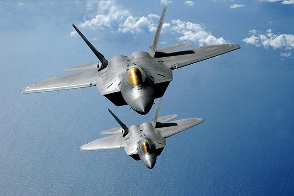 США - родина летающих авианосцев для гремлинов. 1