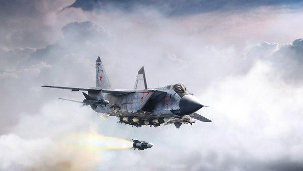 Истребитель МИГ-31БМ расчищает дорогу для ТУ-95 (