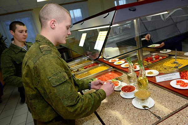 Чем кормят солдат у нас и у них. 2