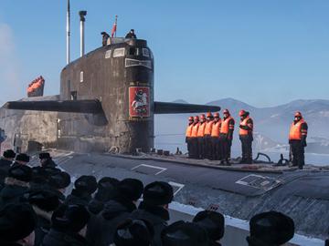 Праздничные будни моряков-подводников. ФОТО