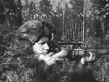 Один выстрел - три фрица: как снайпер Лазутин охотился на войне