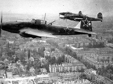 Военно-воздушные силы США бомбили Берлин… конфетами