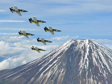 """Breitling Jet Team"". Конкуренты ""Русским витязям"". ФОТО"
