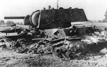 Непобедимый танк КВ-1 с примером героизма. Видео