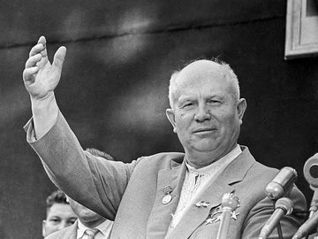 Как Хрущев решил сравнять Великобританию с водой